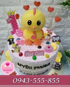 Bánh sinh nhật bé bé gái tuổi gà uyên phương 1 tuổi