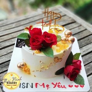 Bánh kem hoa hồng đỏ tươi đẹp tặng mẹ yêu